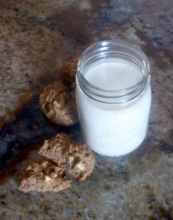 apple cinnamon quinoa cookie